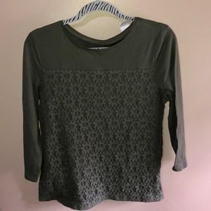 🛍🛍4 for $20 LOFT army green lace overlay top